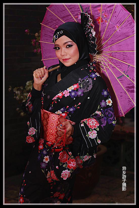 假日倩影____印尼女佣(黑色印花和服装)原创