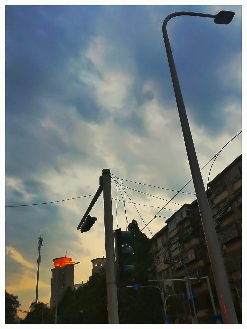 手机拍:傍晚的云