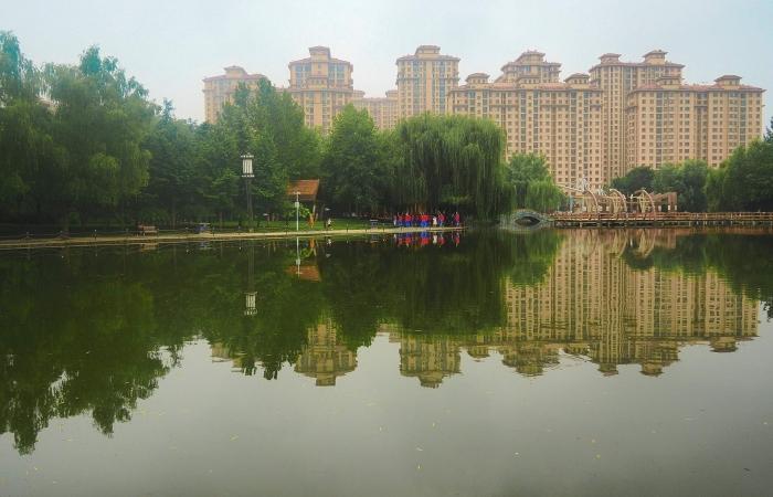 酷暑中的绿洲公园