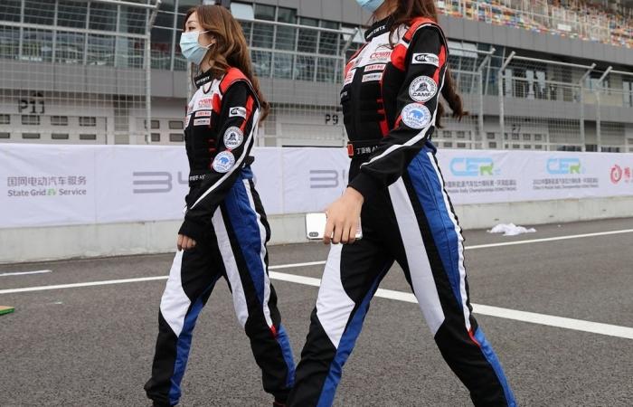 英姿飒爽--2021中国新能源汽车拉力赛上的女车手