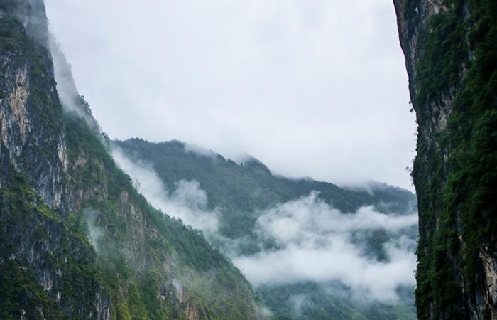 怒江大峡谷(摄于去西藏途中)