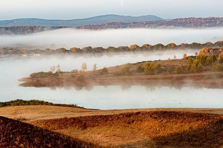 红松湖的早晨