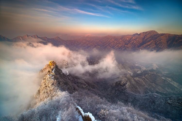 箭扣长城奇观——雪后雾海