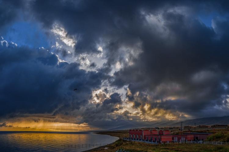 雨后青海湖
