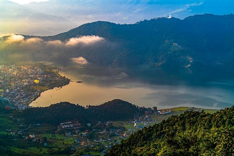 费瓦湖晨光(尼泊尔)