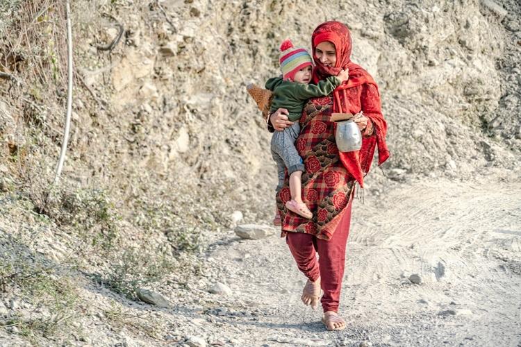 母子俩(尼泊尔)