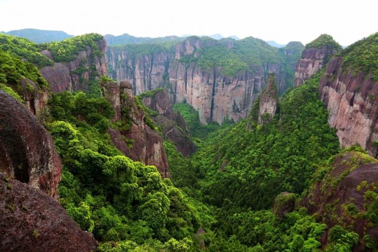 神仙居丹霞峡谷