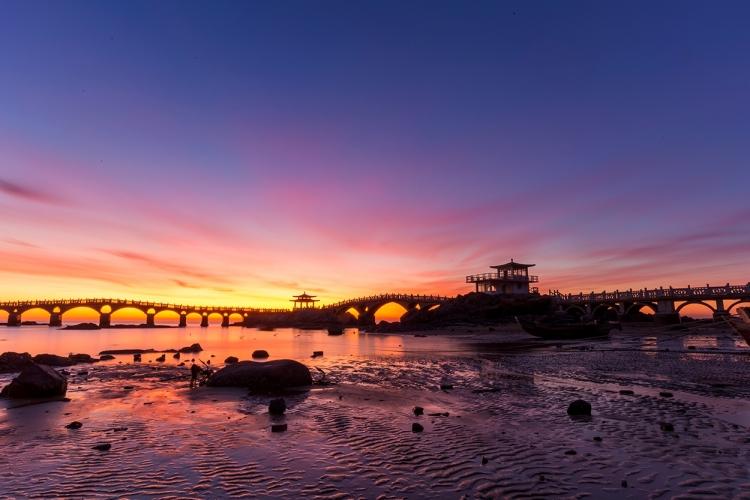 葫芦岛      海滨栈桥