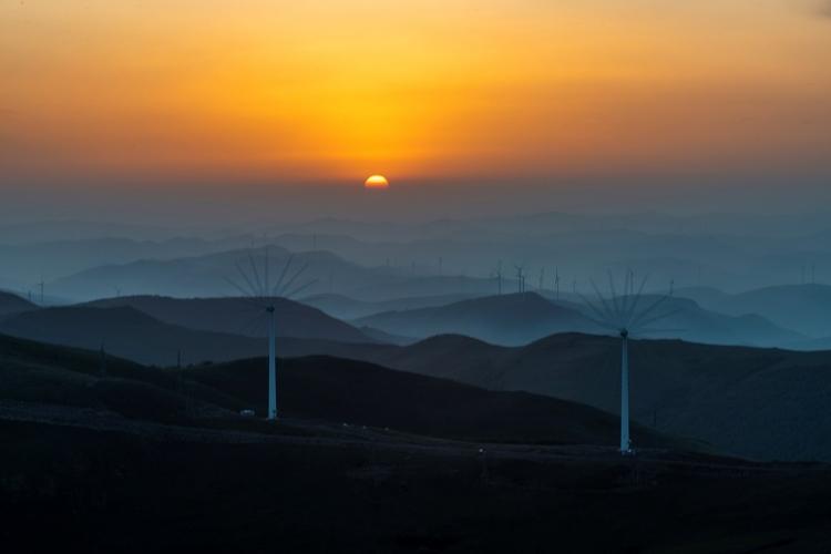 风电厂日出