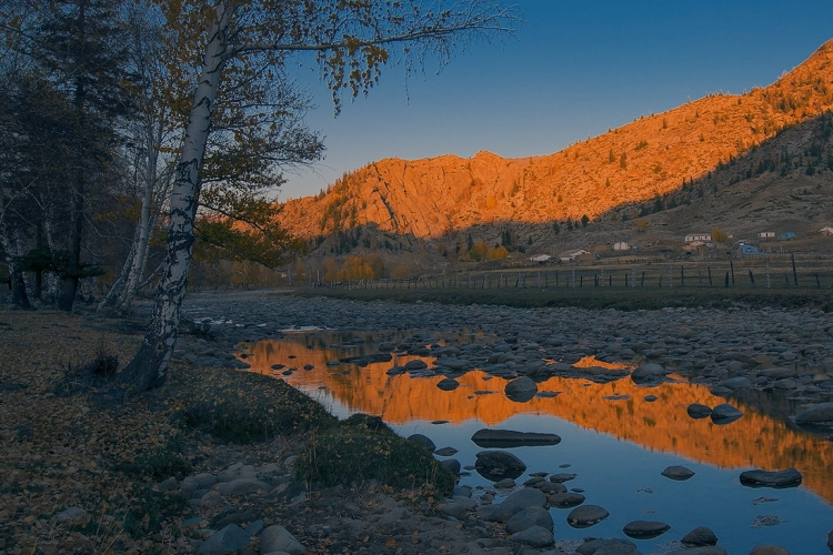 寂静的河谷